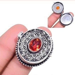 New Handmade Garnet Poison Silver Ring. Size 7.25